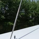 « Sagitta ». 2010-11. Jean-Charles Pigeau.  Modèle réduit au 1/50ème  Fuselage acier inox A 310. Longueur 28 m. Diamètre central 69 cm. Diamètre des extrémités 23 cm