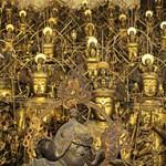 Temple Sanjusangendo. Kyoto. 2010. 1001 Bouddhas en bois dorés à la feuille.