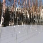 Pluie céleste. 2010. Modèle réduit composé de 100 aiguilles d'acupuncture cuivre et argent
