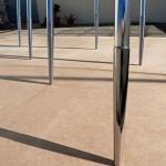 Pluie céleste » 2010-2012. Fragment à l'échelle 1. Courtesy JC Pigeau. Dix fuselages en aluminium avec pointes acier poli façon miroir. Hauteur 2,70 m, diamètre 3 cm. Atelier Paris. Pièce unique