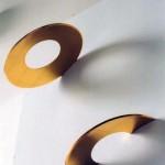 Constellation 2002 Anneaux de bronze, diamètre 0,31 m Face convexe patinée terre d'ombre Face concave feuille d'or.